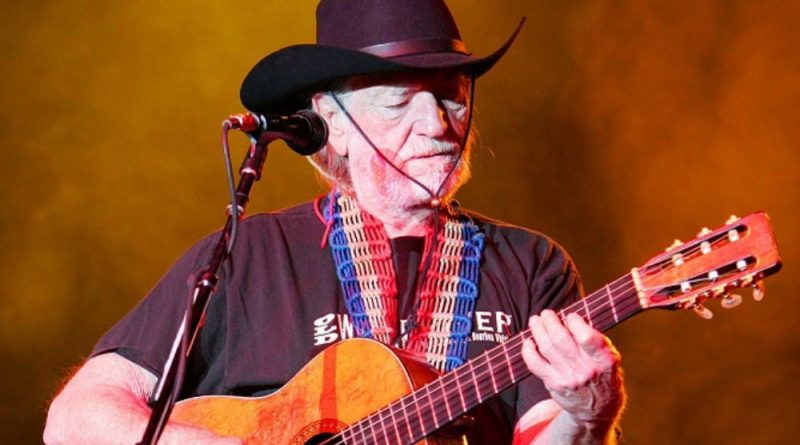 Did Willie Nelson Really Stop Using Marijuana? | Willie Nelson's Mary Jane