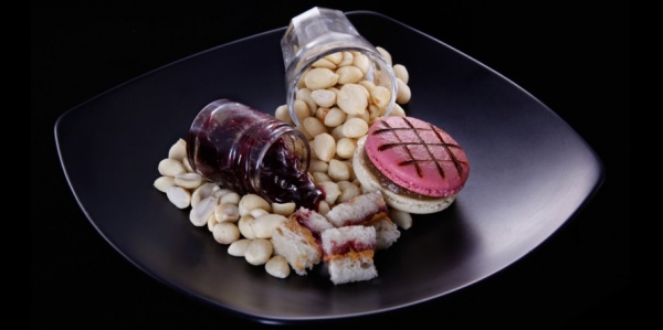 madame munchie peanut butter jelly macaron plate